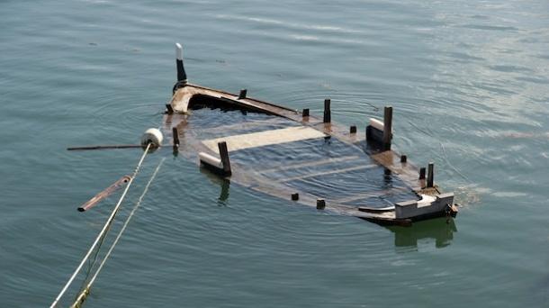 Sinking-ship-via-Shutterstock