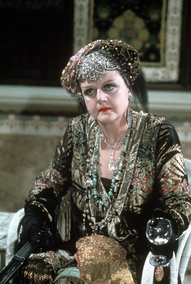 Death-On-The-Nile-angela-lansbury-26621978-1500-2236
