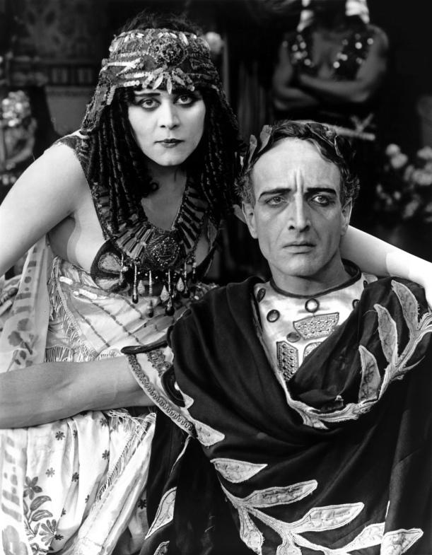 Theda_Bara_-_Cleopatra_02