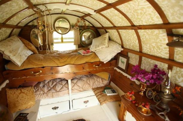 inside-hope-the-gypsy-wagon
