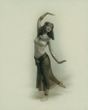 Ruth_St_Denis_in_Egypta_1910